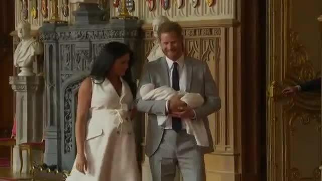 Con trai Hoàng tử Harry lần đầu xuất hiện trước công chúng
