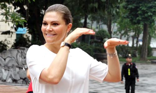 Công chúa kế vị Thụy Điển tập thể dục cùng người dân Hà Nội