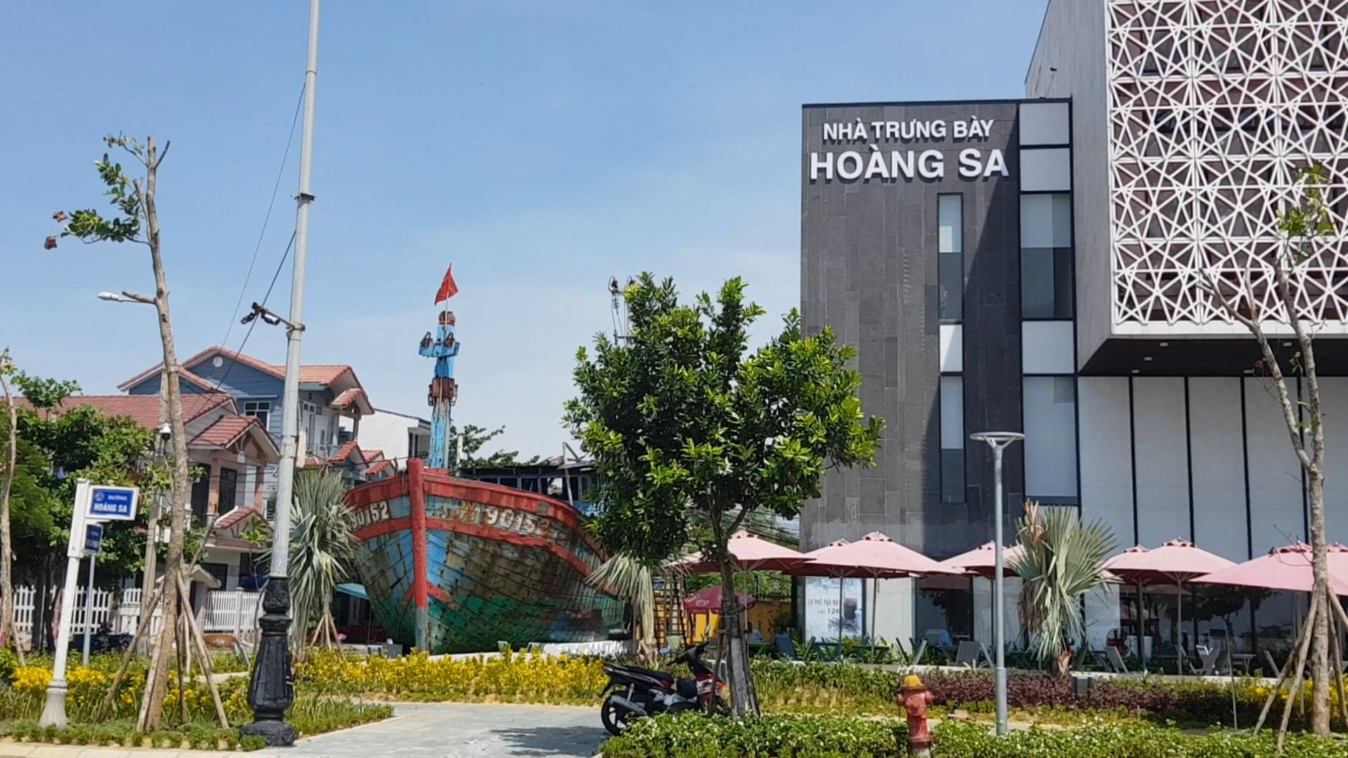 Đà Nẵng trưng bày tàu cá bị tàu nước ngoài đâm chìm ở Hoàng Sa