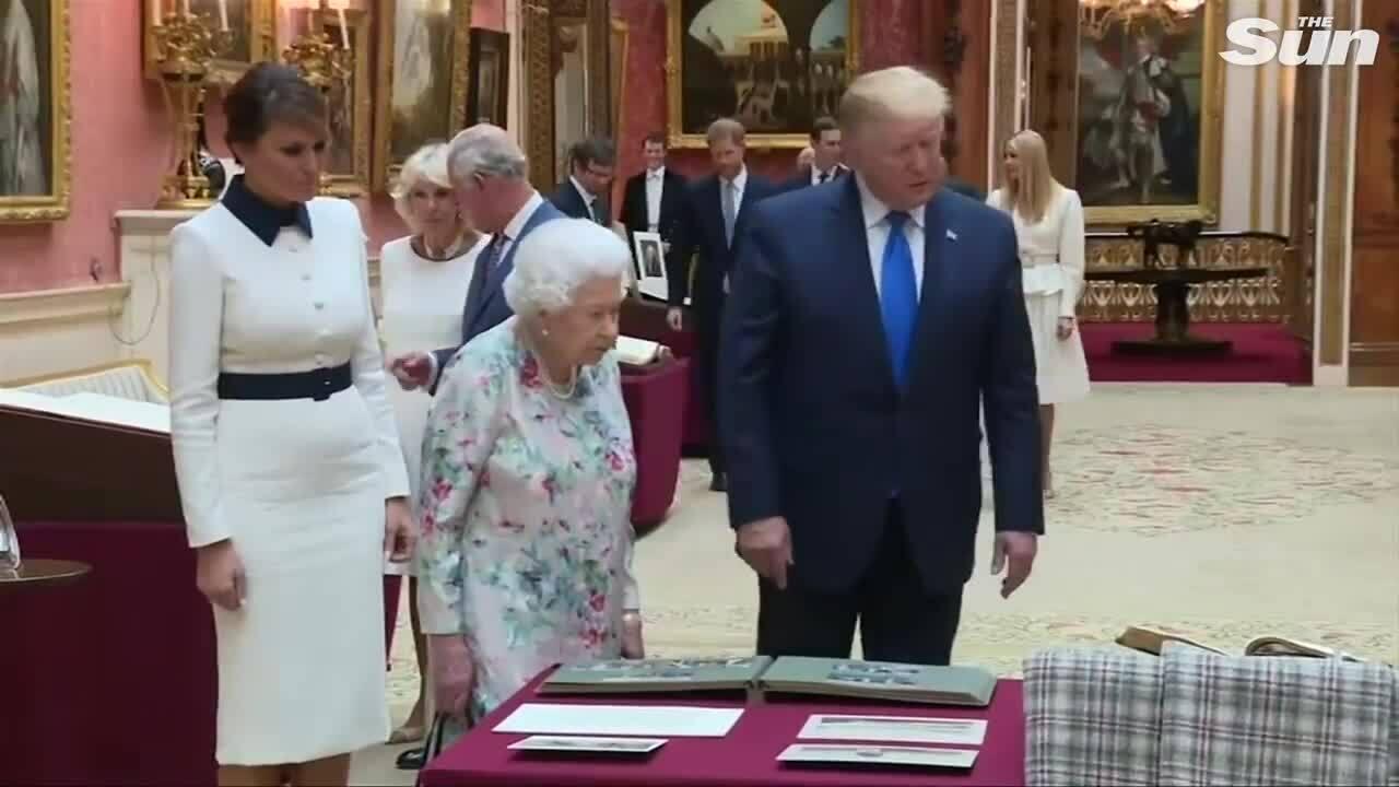 Hoàng tử Harry gây tranh cãi vì cố tránh mặt Trump