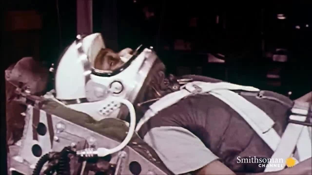 Khóa huấn luyện đặc biệt của những phi hành gia NASA đầu tiên
