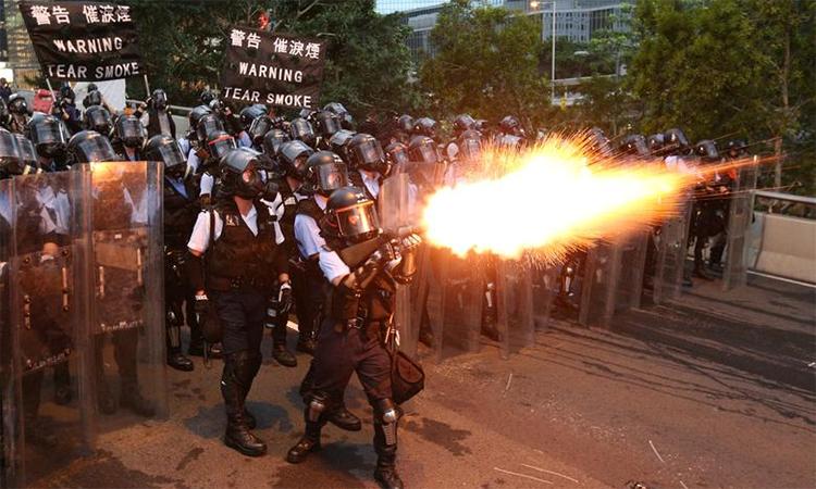 Đụng độ trong cuộc biểu tình thứ hai tại Hong Kong