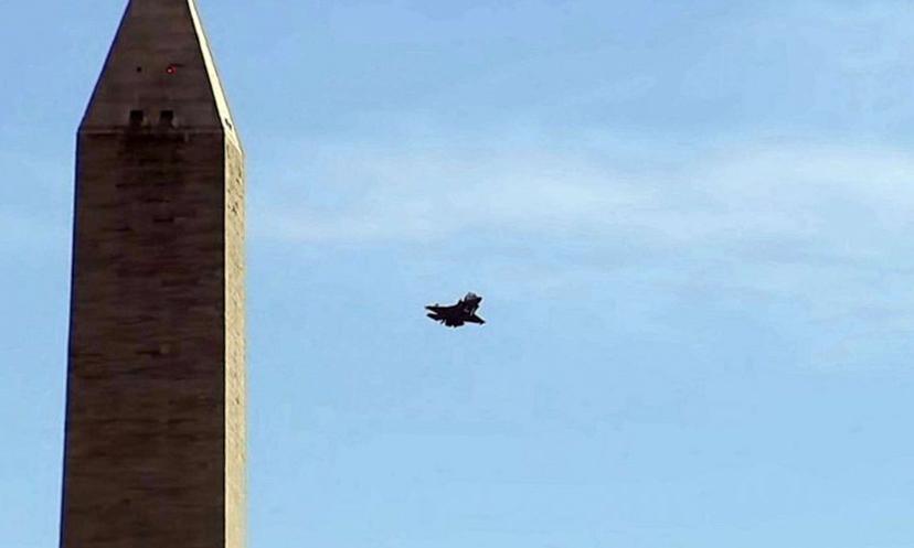 Tiêm kích F-35B bay qua Nhà Trắng ở độ cao 300 m
