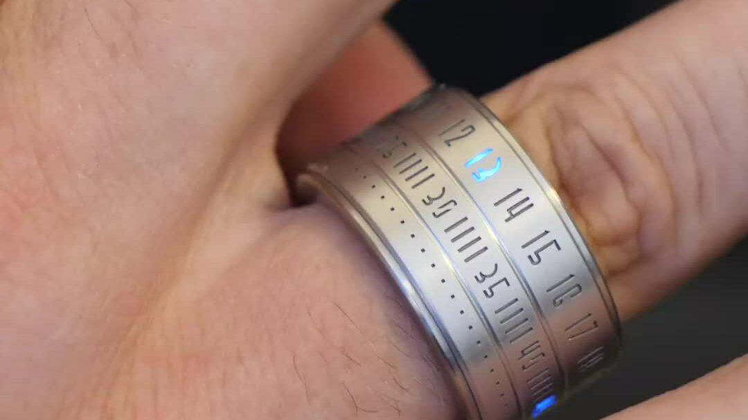 Nhẫn 'lai' đồng hồ làm bằng thép không gỉ