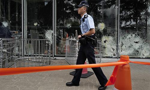 Hong Kong bắt nghi phạm đập phá trụ sở Hội đồng Lập pháp