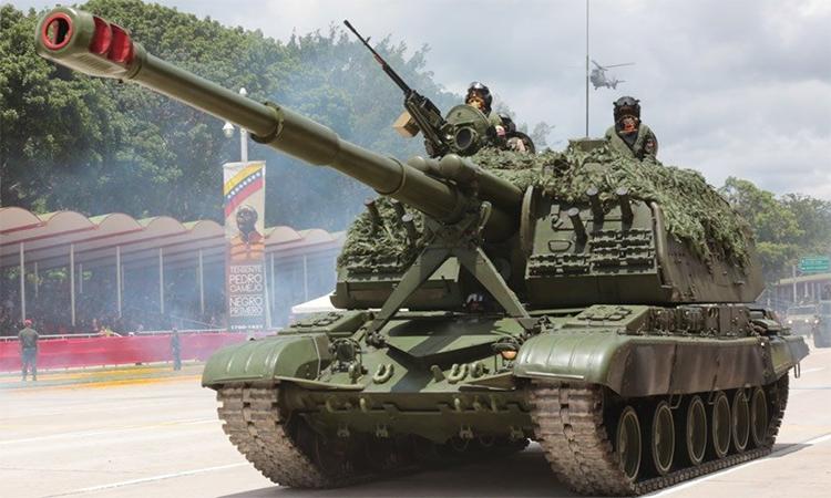 Xe tăng, tiêm kích Venezuela tham gia duyệt binh mừng quốc khánh