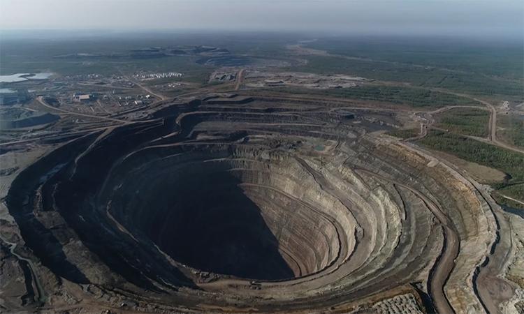 Mỏ khai thác kim cương sâu hơn 500 m tại Nga