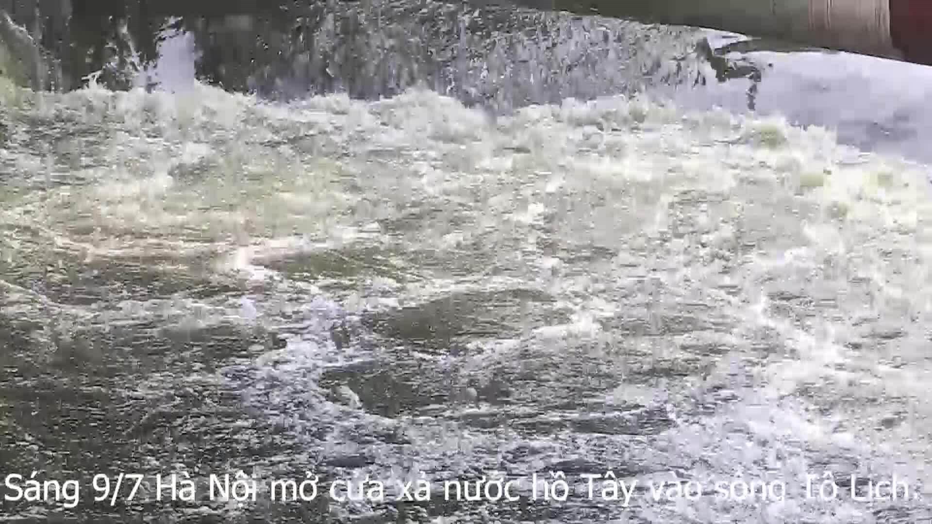 Sông Tô Lịch được bổ câp nước từ Hồ Tây