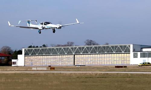 Hệ thống giúp máy bay tự động hạ cánh trên đường băng