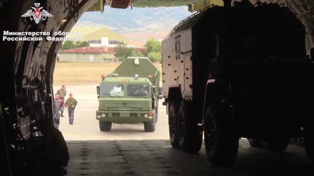 Thổ Nhĩ Kỳ công bố hình ảnh tên lửa S-400 Nga chuyển giao