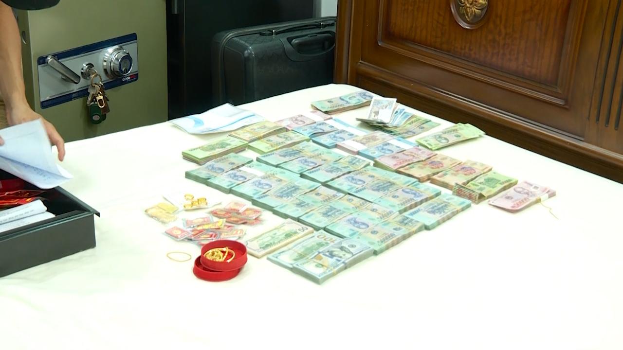 Cảnh sát đột kích 11 tụ điểm đánh bạc ở Nha Trang