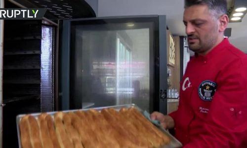 Đầu bếp Thổ Nhĩ Kỳ nướng bánh cám ơn Putin vì hợp đồng S-400