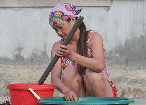 Nghề thả trúm nhựa bắt lươn đồng ở Hà Tĩnh