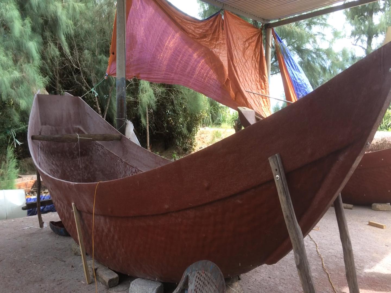 Ngư dân Quảng Trị dùng thuyền composite thay thuyền nan tre