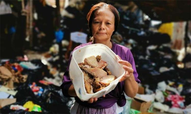 Những bữa ăn bới từ thùng rác của dân nghèo Philippines
