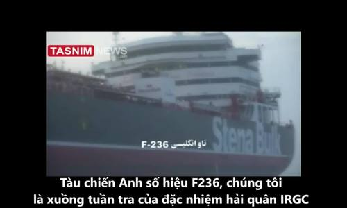 Vệ binh Iran dằn mặt chiến hạm Anh khi bắt tàu dầu