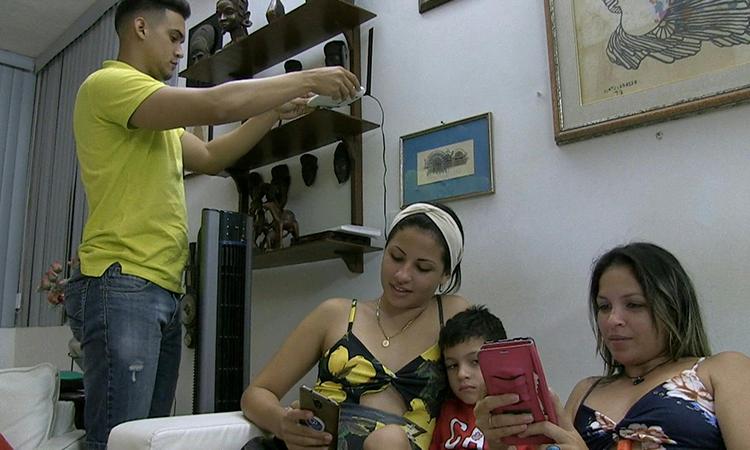 Cuba nối mạng Internet tới 80.000 hộ gia đình