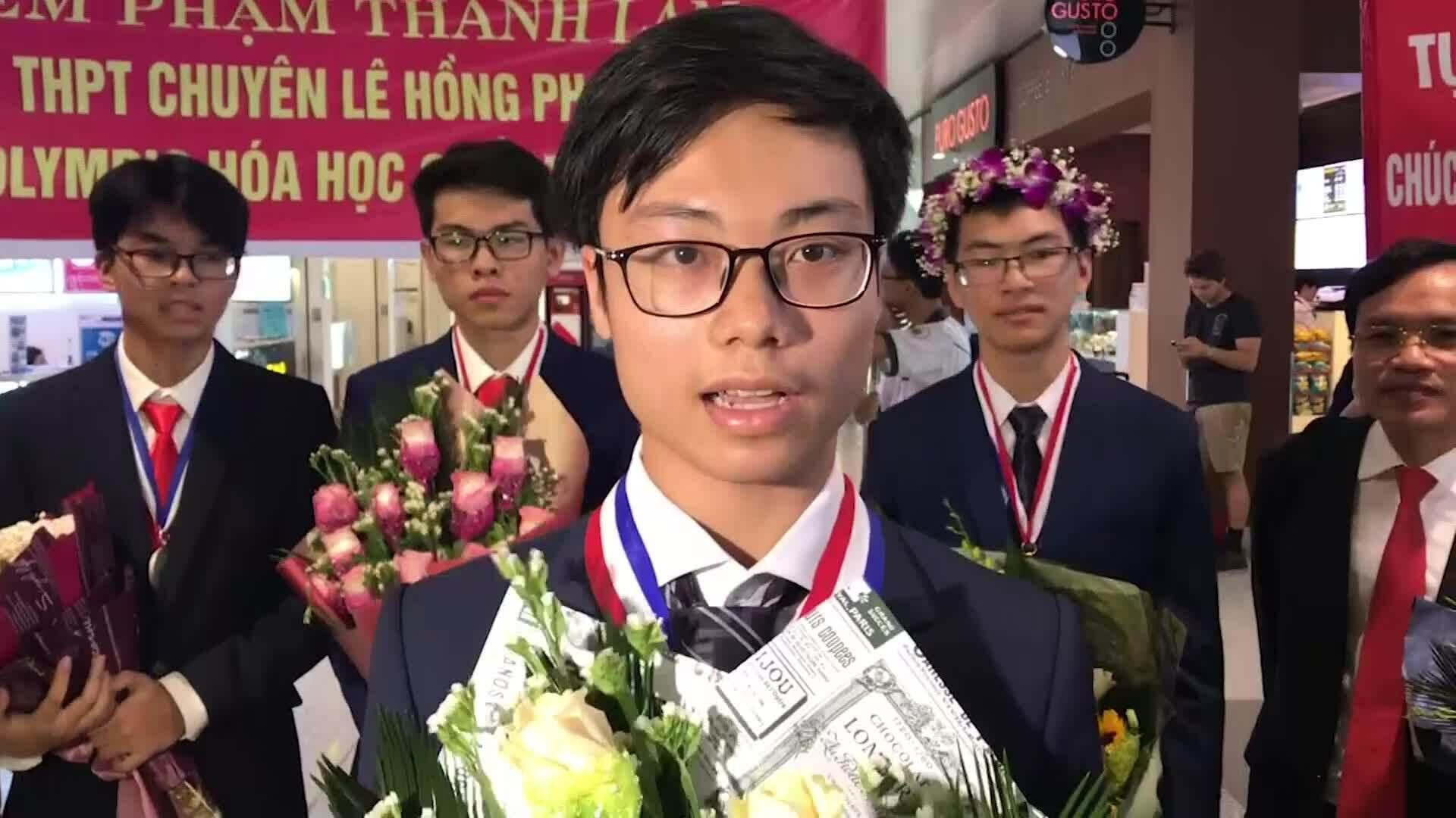 Nam sinh đạt điểm tuyệt đối phần thực hành Olympic Hóa quốc tế