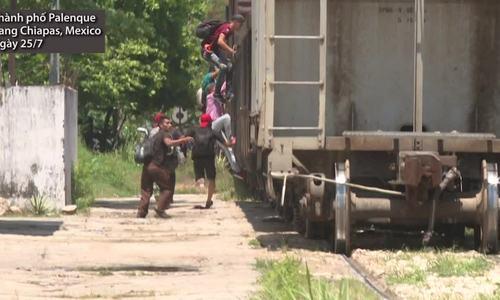 Người di cư bám tàu, băng rừng để theo đuổi giấc mơ Mỹ