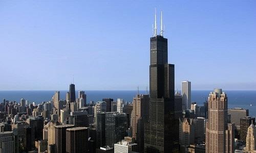 Tòa nhà chọc trời lắc lư gần một mét trong gió mạnh ở Mỹ