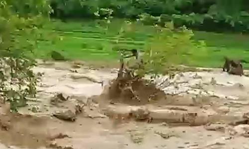 Một bản ở Thanh Hoá có 13 người mất tích trong mưa lũ