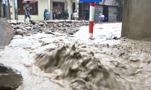 Huyện biên giới Thanh Hóa bị cô lập vì sạt lở hàng trăm điểm