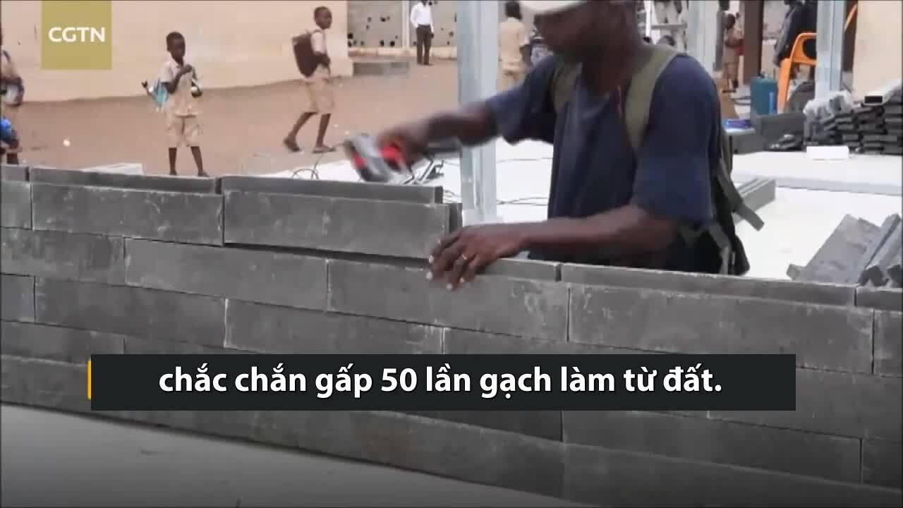 Gạch nhựa chắc chắn gấp 50 lần gạch làm từ đất
