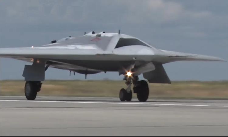 Nga tung video thử nghiệm UAV chiến đấu 'Thợ săn tàng hình'