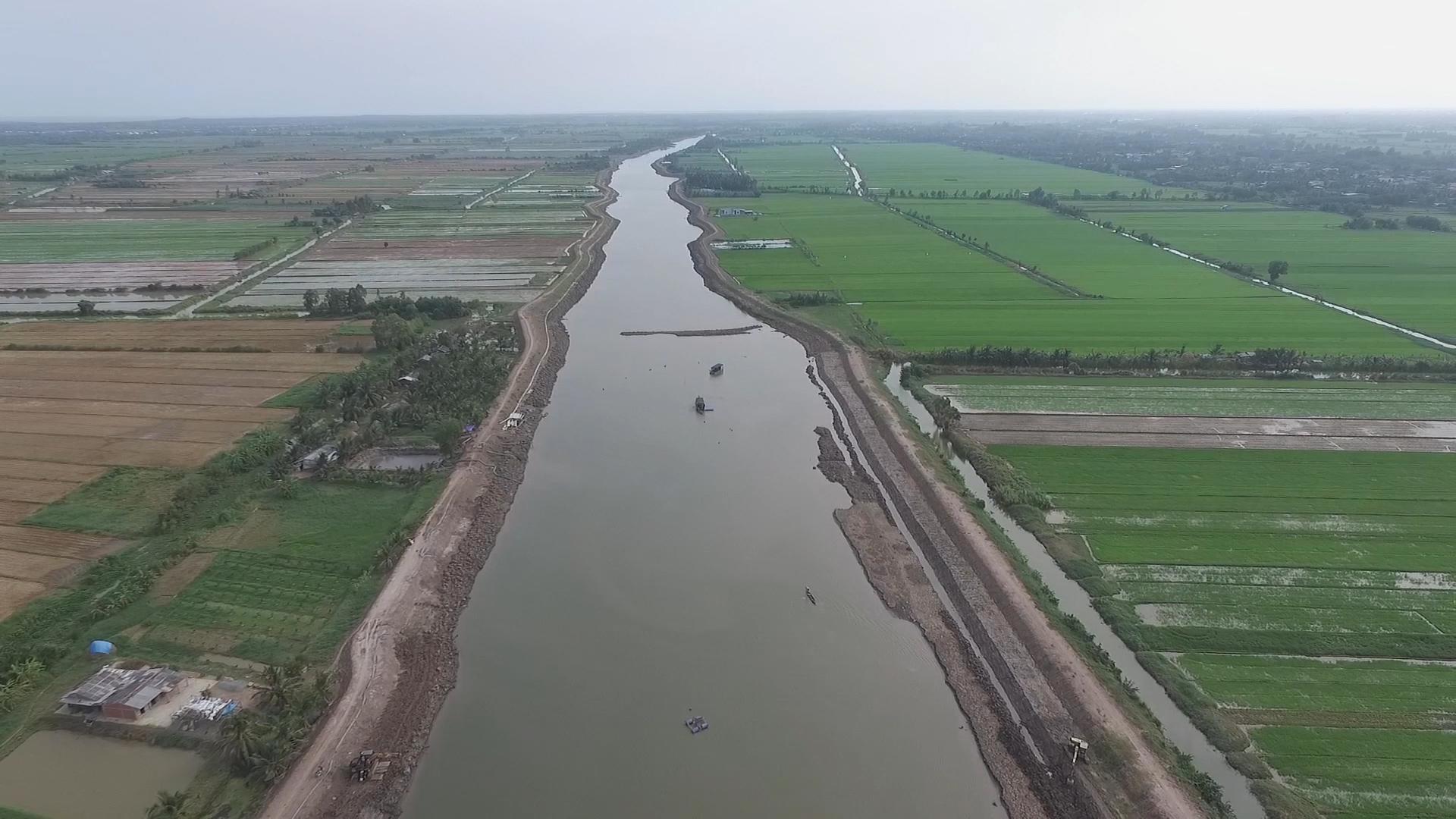 Hồ trữ nước ngọt từ con kênh đào thời Pháp ở miền Tây