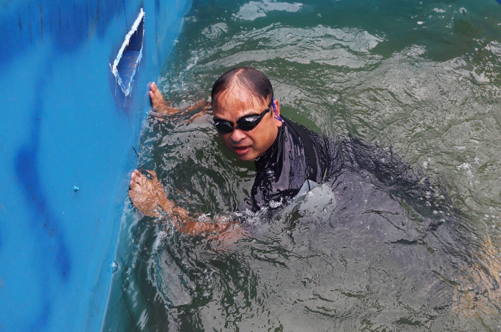 Video chuyên gia Nhật tắm ở bể thí điểm làm sạch sông Tô Lịch