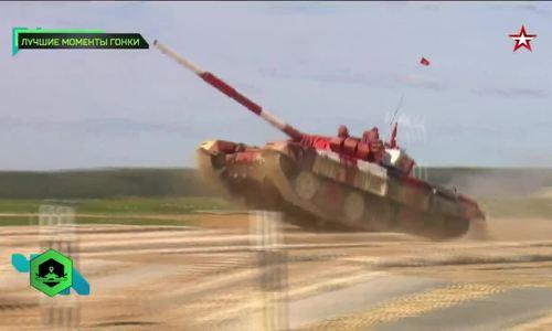 Đội Việt Nam dẫn đầu vòng bán kết nhóm hai giải đua xe tăng tại Nga