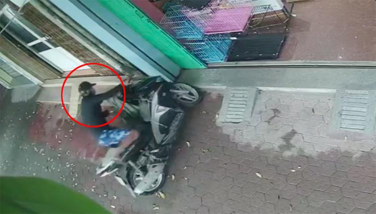 Thanh niên trộm xe máy bỏ chạy vì bị chó phát hiện