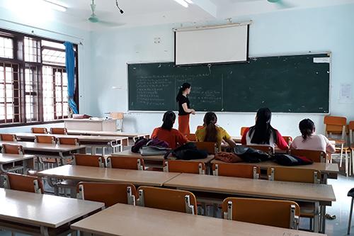 Một trường cao đẳng chỉ tuyển được 34 sinh viên