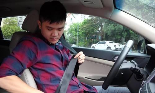Cách thắt dây an toàn trên ôtô đúng cách