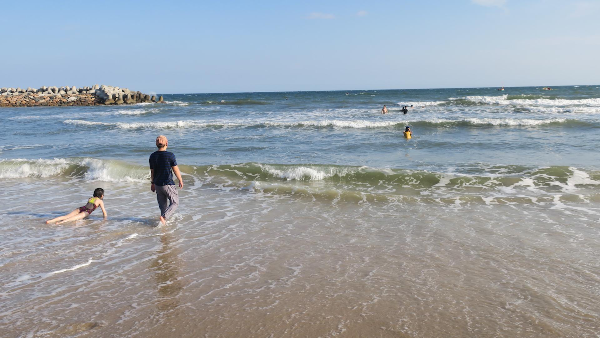 Bãi biển Phan Thiết có nhiều vùng nước xoáy ngầm