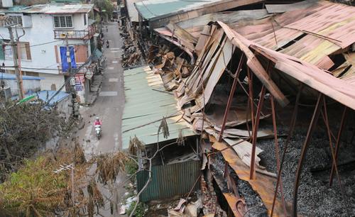 Người dân tự sơ tán sau vụ cháy kho Rạng Đông