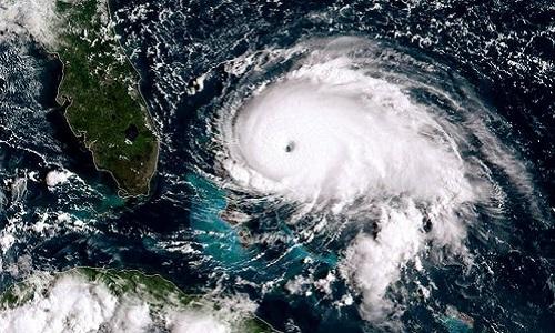 Lý do bão Dorian di chuyển khó lường