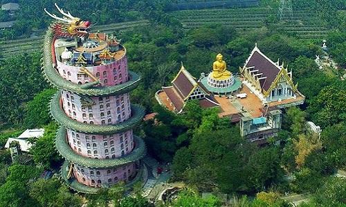 Kiến trúc rồng khổng lồ uốn quanh ngôi chùa cao 80 m
