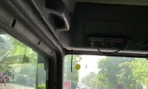 Kia Morning không nhường đường cho xe cứu hỏa