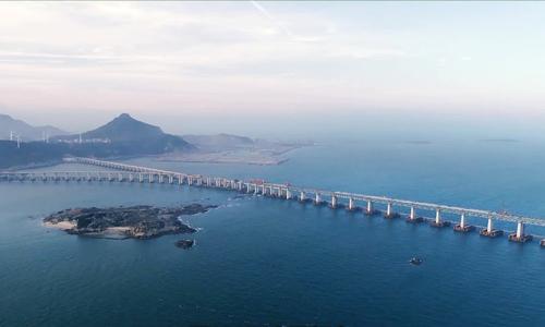 Cầu vượt biển hai tầng dài nhất thế giới sắp hoàn thành