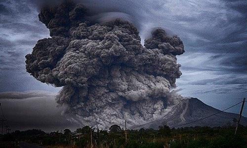 Khí thải của nhân loại nhiều gấp 100 lần núi lửa
