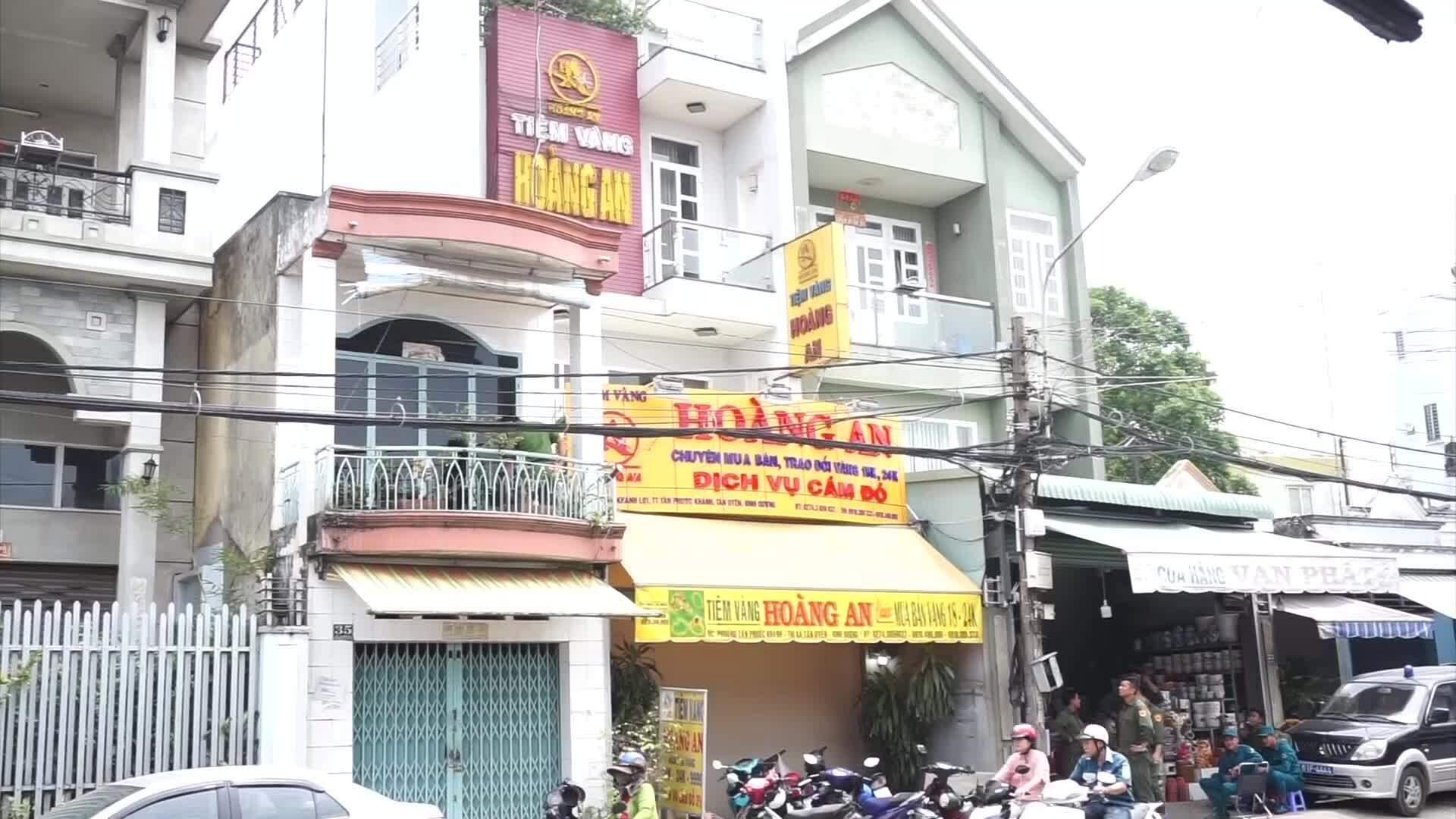 Trộm tiệm vàng