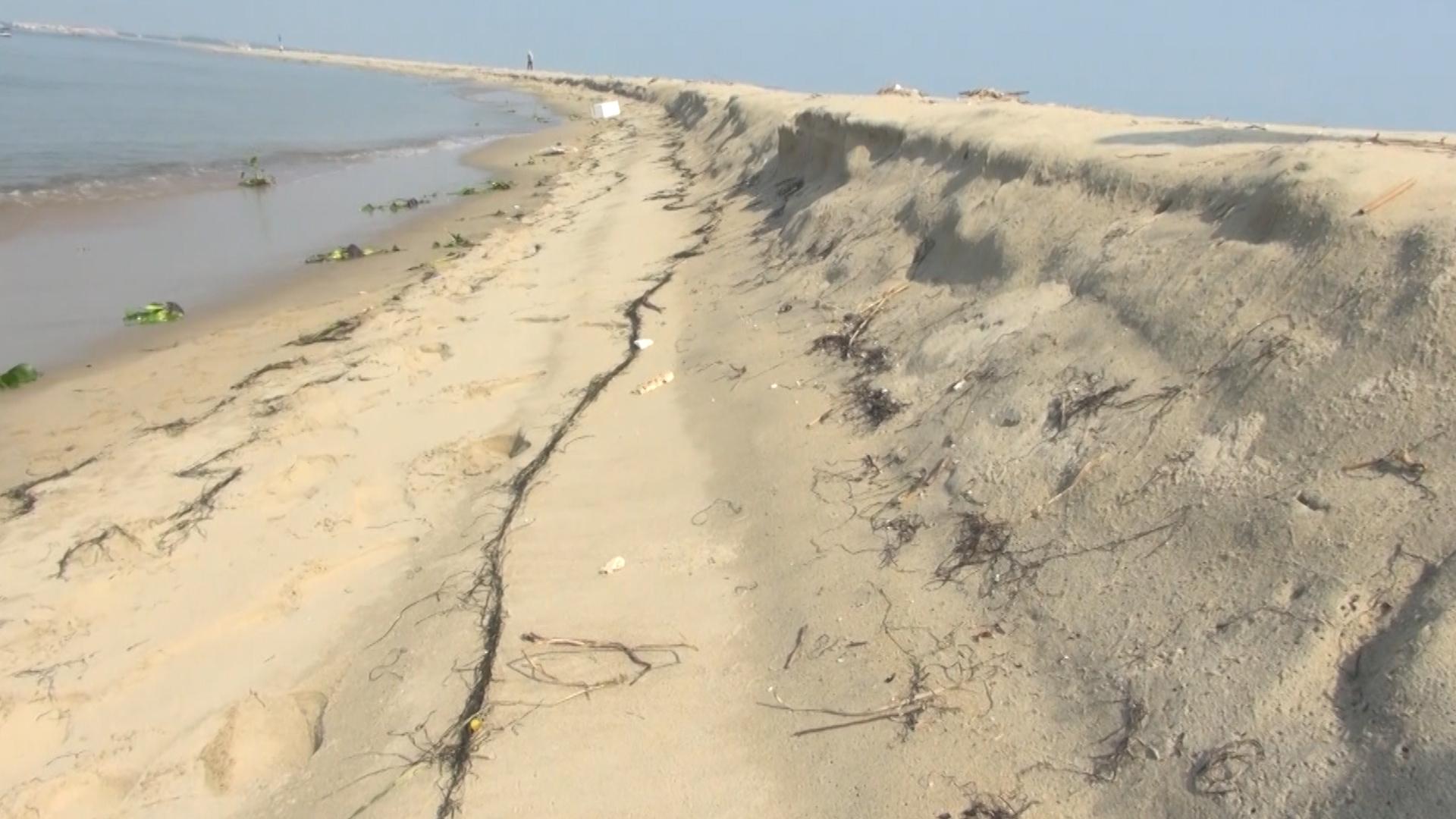 Cồn cát trên biển Cửa Đại rộng thêm 50 m