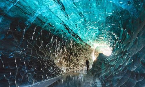 'Động pha lê' bên dưới sông băng lớn nhất châu Âu