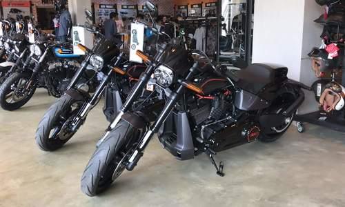 Harley-Davidson FXDR 114 - cruiser hầm hố giá 800 triệu