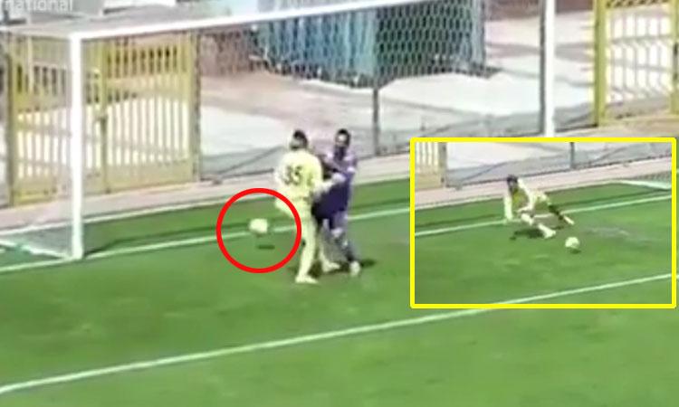 Hậu vệ đốt lưới nhà vì mừng thủ môn cản thành công penalty