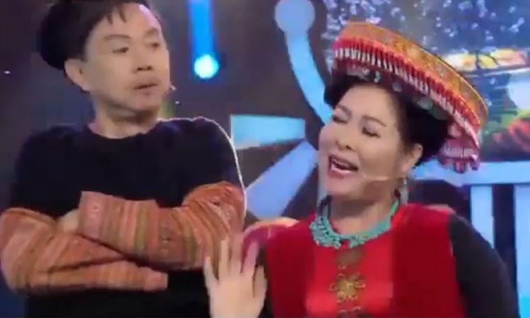 Chí Tài, Hồng Đào, Hồng Vân trổ tài hát 'Để Mị nói cho mà nghe'