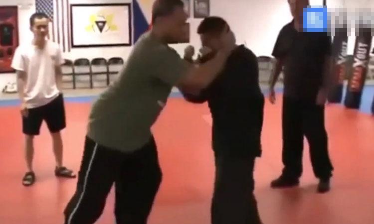 Cao thủ kungfu Trung Quốc bẽ mặt khi cố điểm huyệt võ sĩ Muay Thái