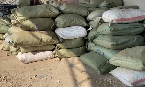 Cảnh sát bắt 20 tấn dược liệu nhập lậu