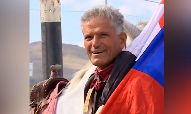 Nhà báo Syria cưỡi ngựa tới Moskva để gặp Putin